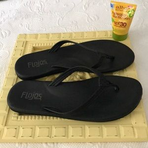 Shoes - FLOJOS Flip Flops w/Arch support!